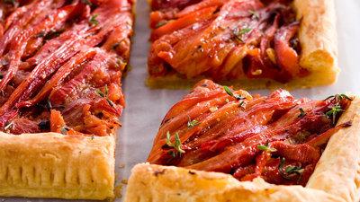 178466 r027 hartige taart met tomaat en paprika web 80a8fd medium 1441876717