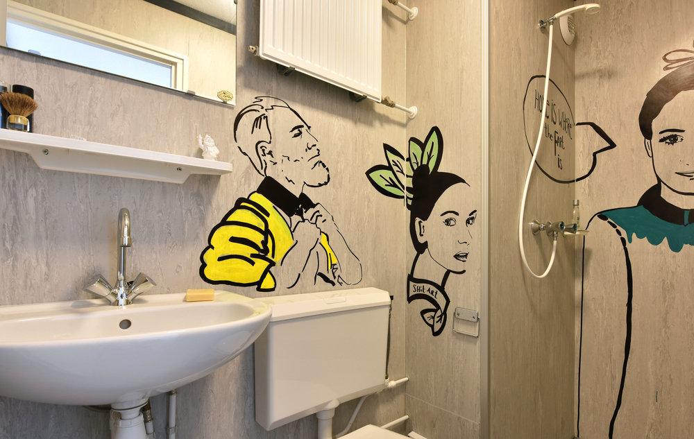 191645 rooms%20bathroom eb30ee large 1451313749