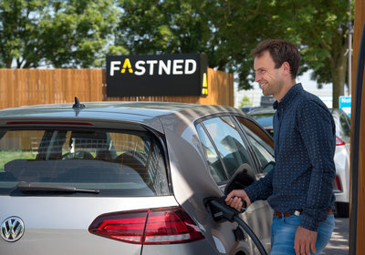 283394 fast%20charging%20at%20fastned ddb06a medium 1529482433