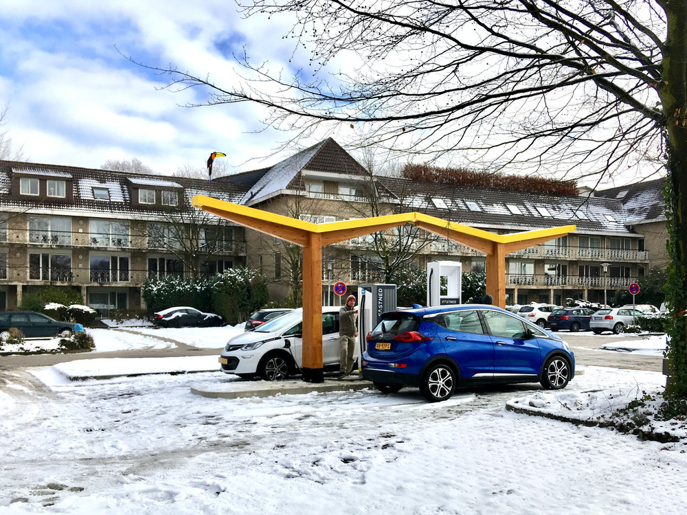 302667 fastned%20fast%20charging%20station%20at%20van%20der%20valk%20hotel %20gladbeck germany 62121a large 1549290140