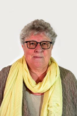 Mieke Van Hecke, schepen van Burgerzaken en Protocol, Ambtenaar van Burgerlijke Stand