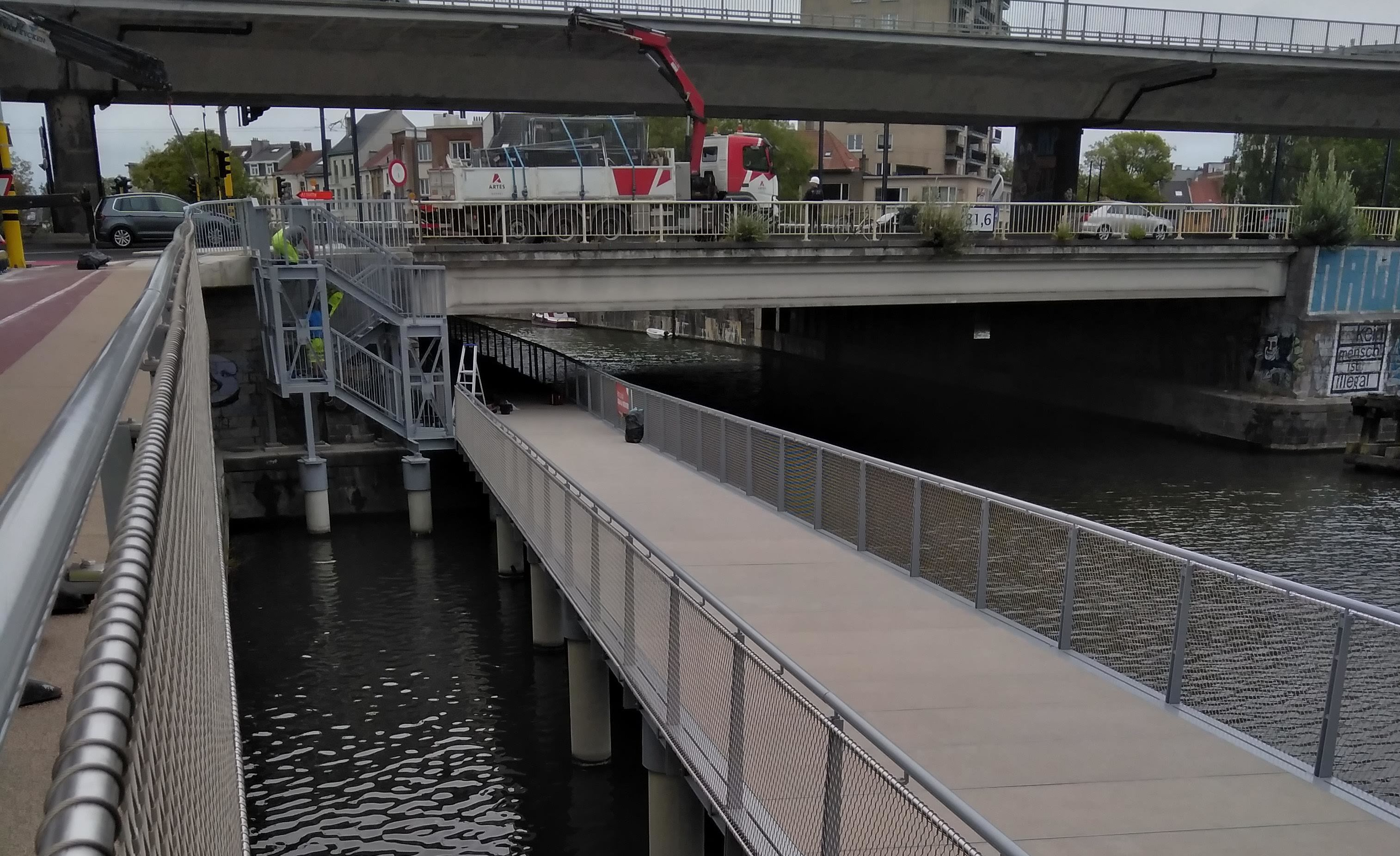 De fietsonderdoorgang aan de Sint-Lievenspoort. © AWV.jpg