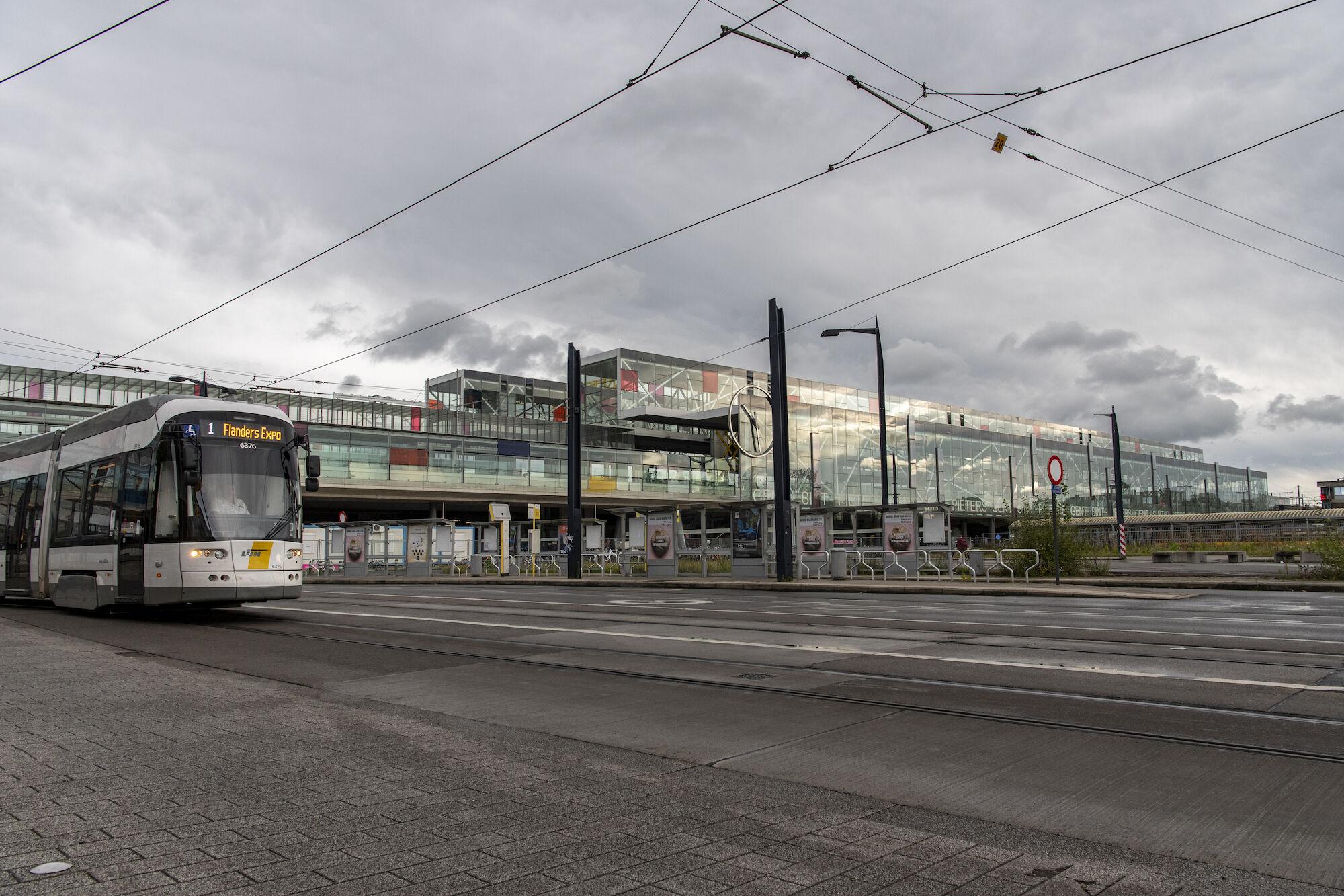 Tram 1 Flanders Expo.jpg