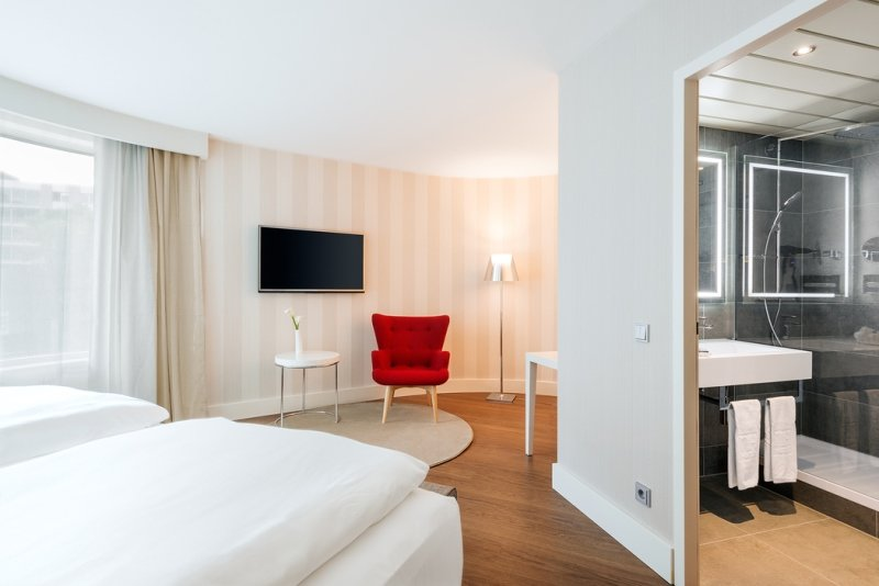 205812 (c)%20nh%20hotel%20group nh%20collection%20frankfurt%20city zimmer f936b2 large 1461677481