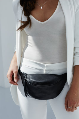 264848  lookbook fanny pack small black daphny raes 179 f089b1 medium 1511119498