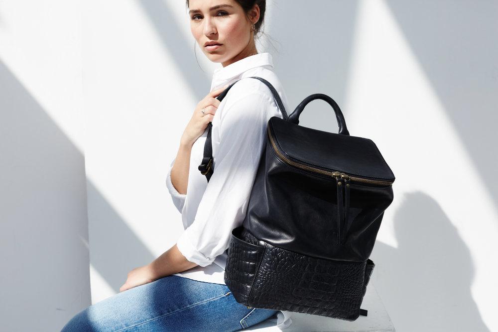 264849  lookbook backpack jamie black croco daphny raes 499 080683 large 1511119500