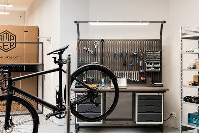 Ampler-Bikes-Cologne-Interior-Workshop-003