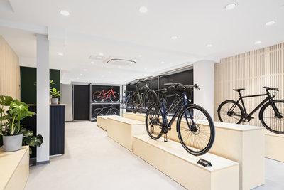 Ampler-Bikes-Cologne-Interior-Showroom-037-1920px