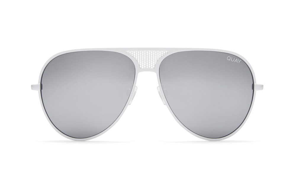 252104 quayxkylie iconic white silver front 9ca2c7 large 1498623404