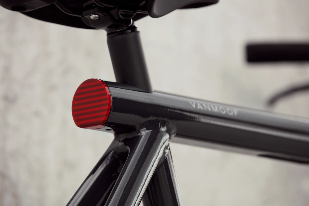 291715 2018 vanmoof es2%20product%20lifestyle 04 037 1 084b81 large 1538660527