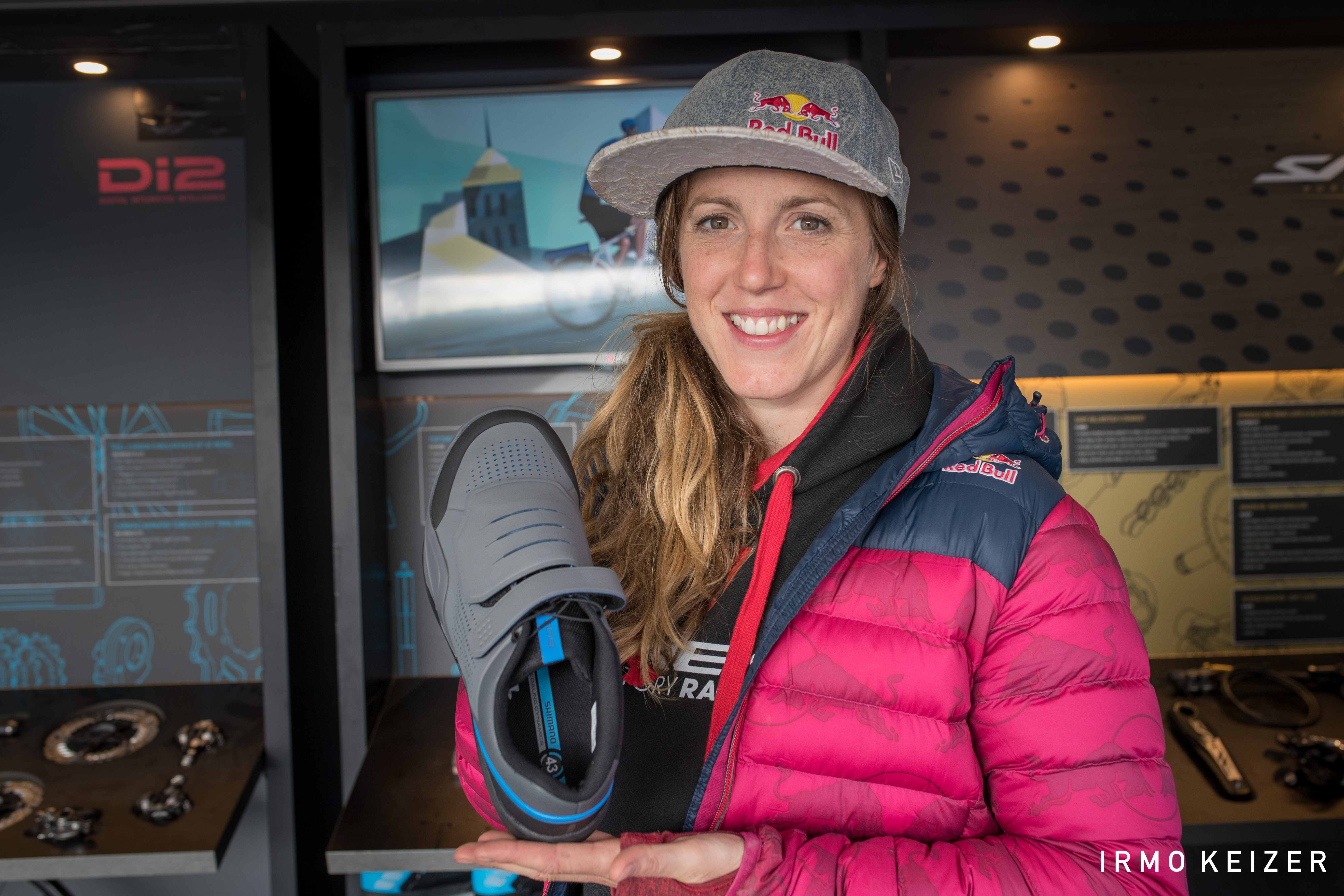 Rachel Atherton 2 gravity shoe pedal.jpg