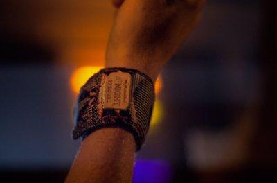 274518 wristband2 d1296d medium 1520591061