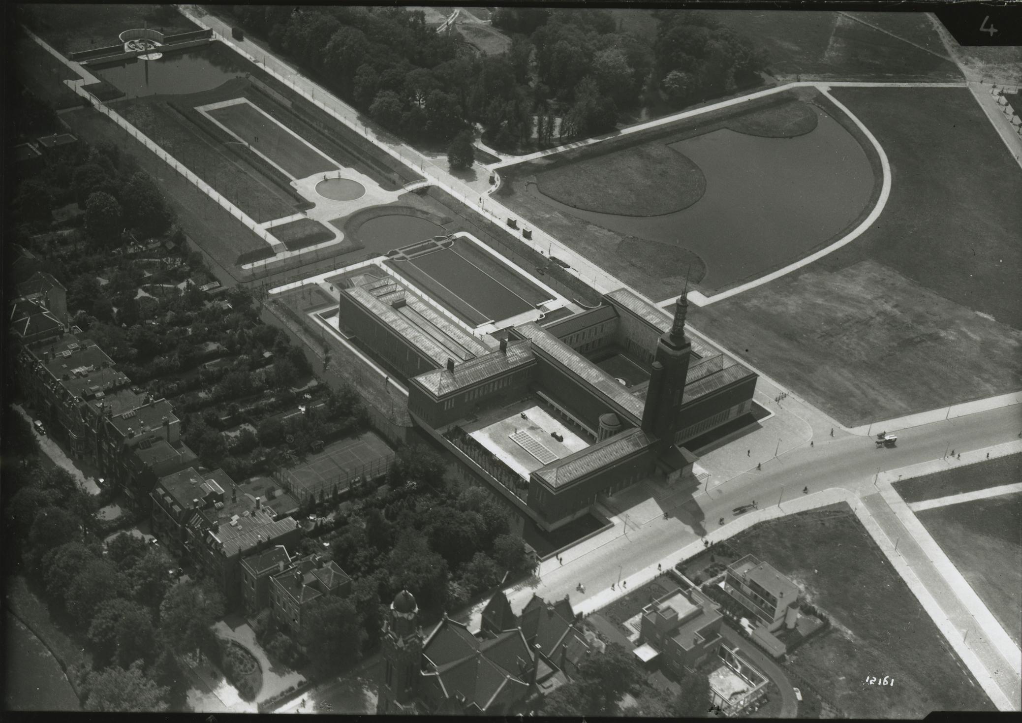 Het nieuwe Museum Boymans in het Museumpark aan de Mathenesserlaan, ca. 1935