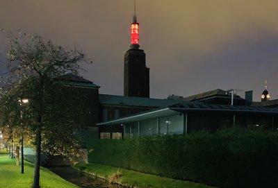 Het huidige Museum Boijmans Van Beuningen, Toren Boijmans Van Beuningen gloeit rood
