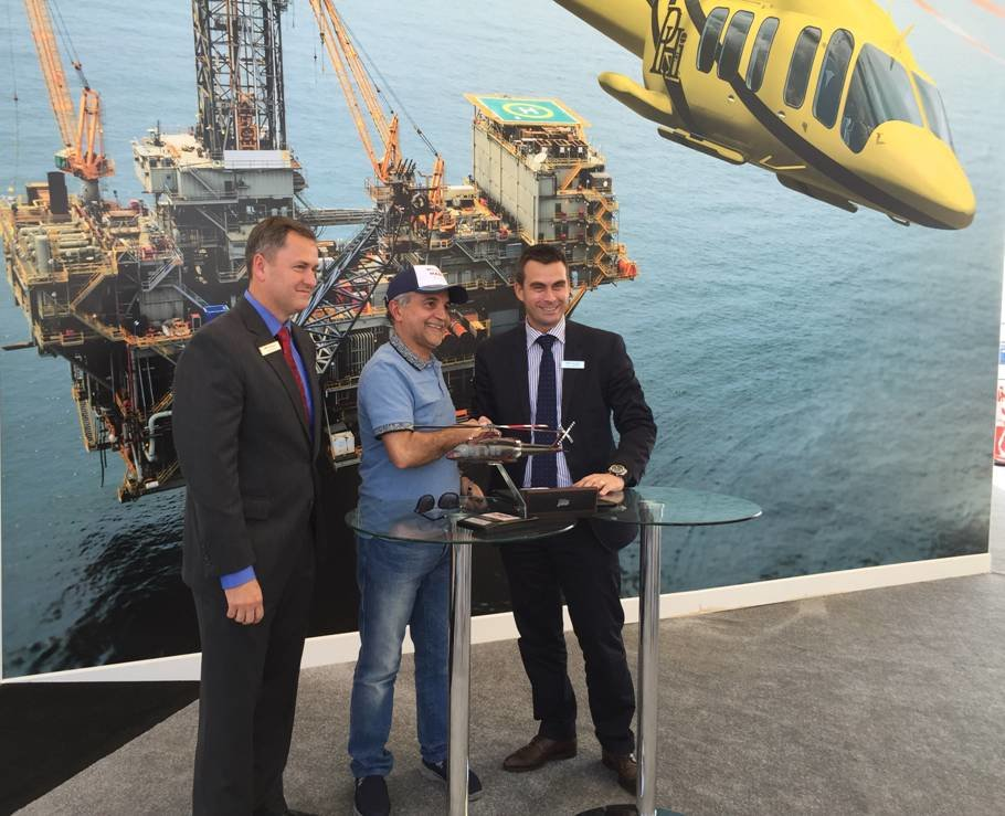 267563 david sale, regional sales manager, bell helicopter; captain salem safar, aviatioin manager, strong aviation; patrick moulay, vp global commercial sales, bell helicopter e13362 large 1513022513