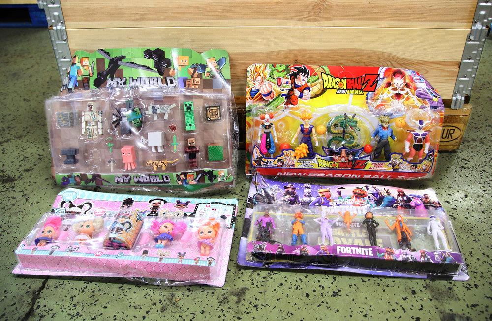 388960 034 21 fake toys 2q5a4800 807874 large 1619427293