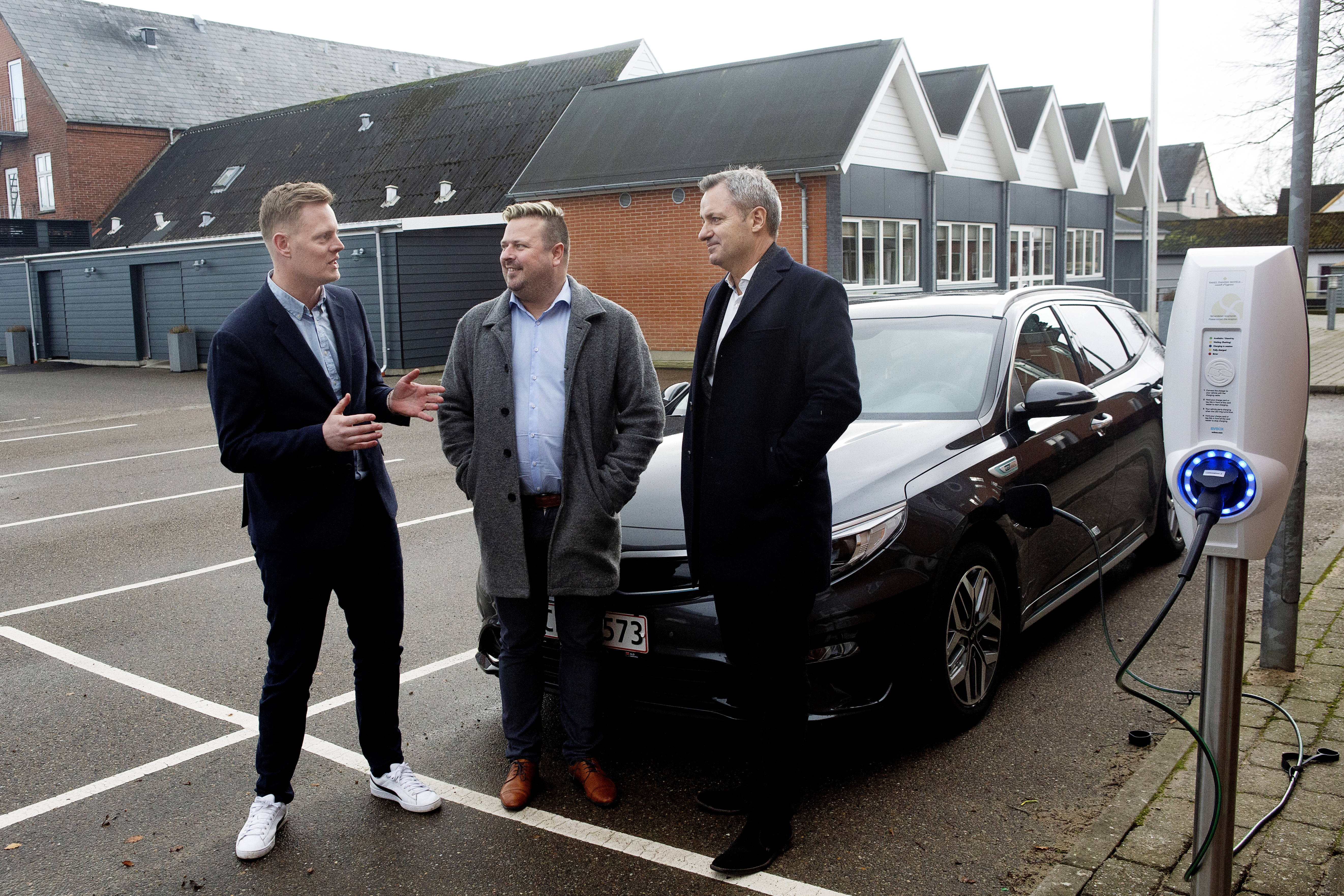 From left to right: Rasmus Wagner Jensen (former BDM at EVBox), Michael Thinggard (Owner of Hotel Thinggaard) and Jørgen Christensen (CEO of Small Danish Hotels)