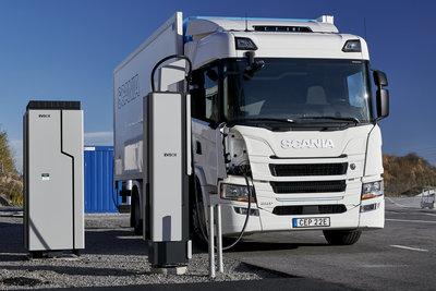 EVBox Ultroniq charging Scania electric truck © Scania