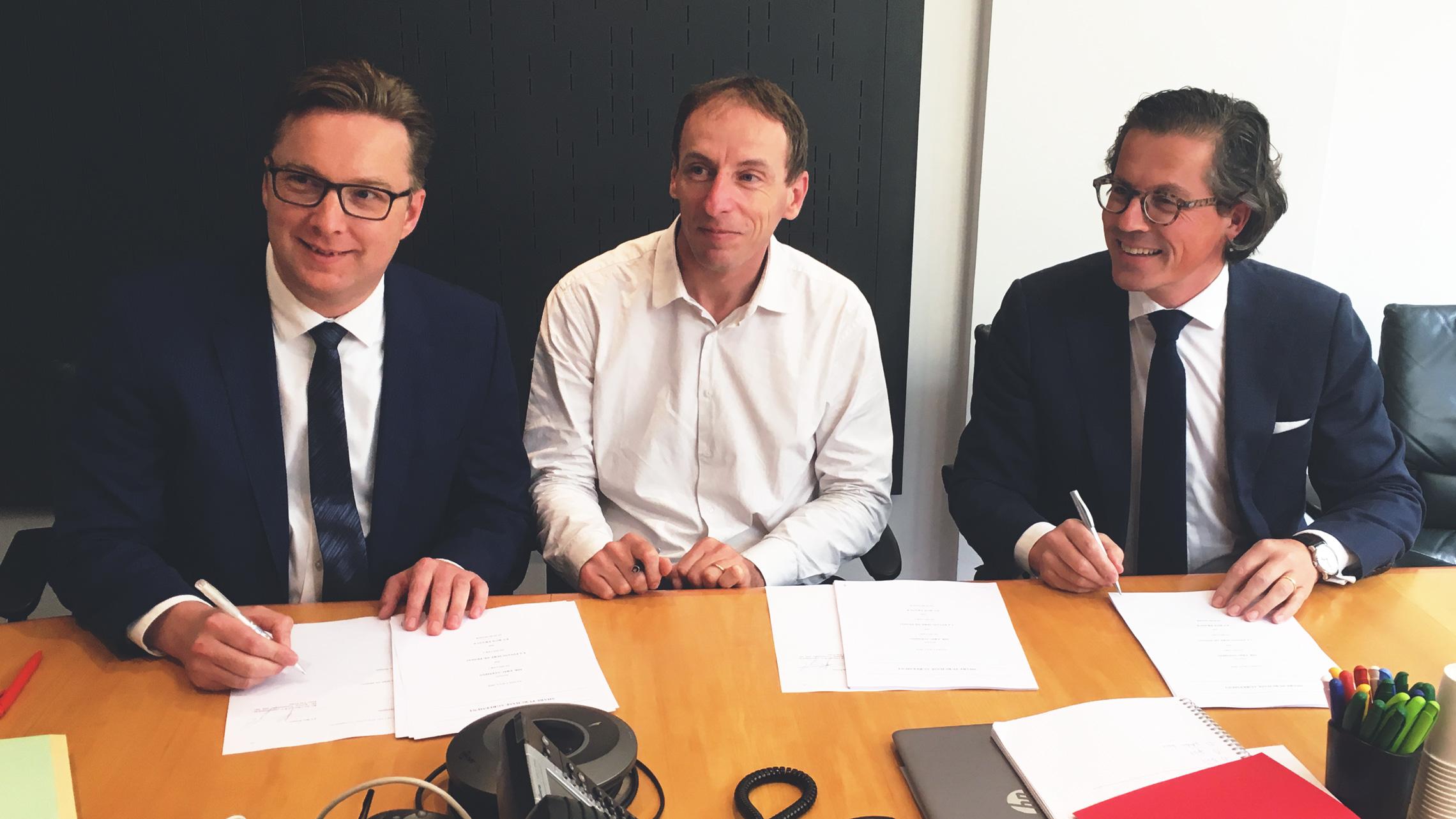 EVBox EVTronic acquisition signing Peter van Praet CCO.jpg