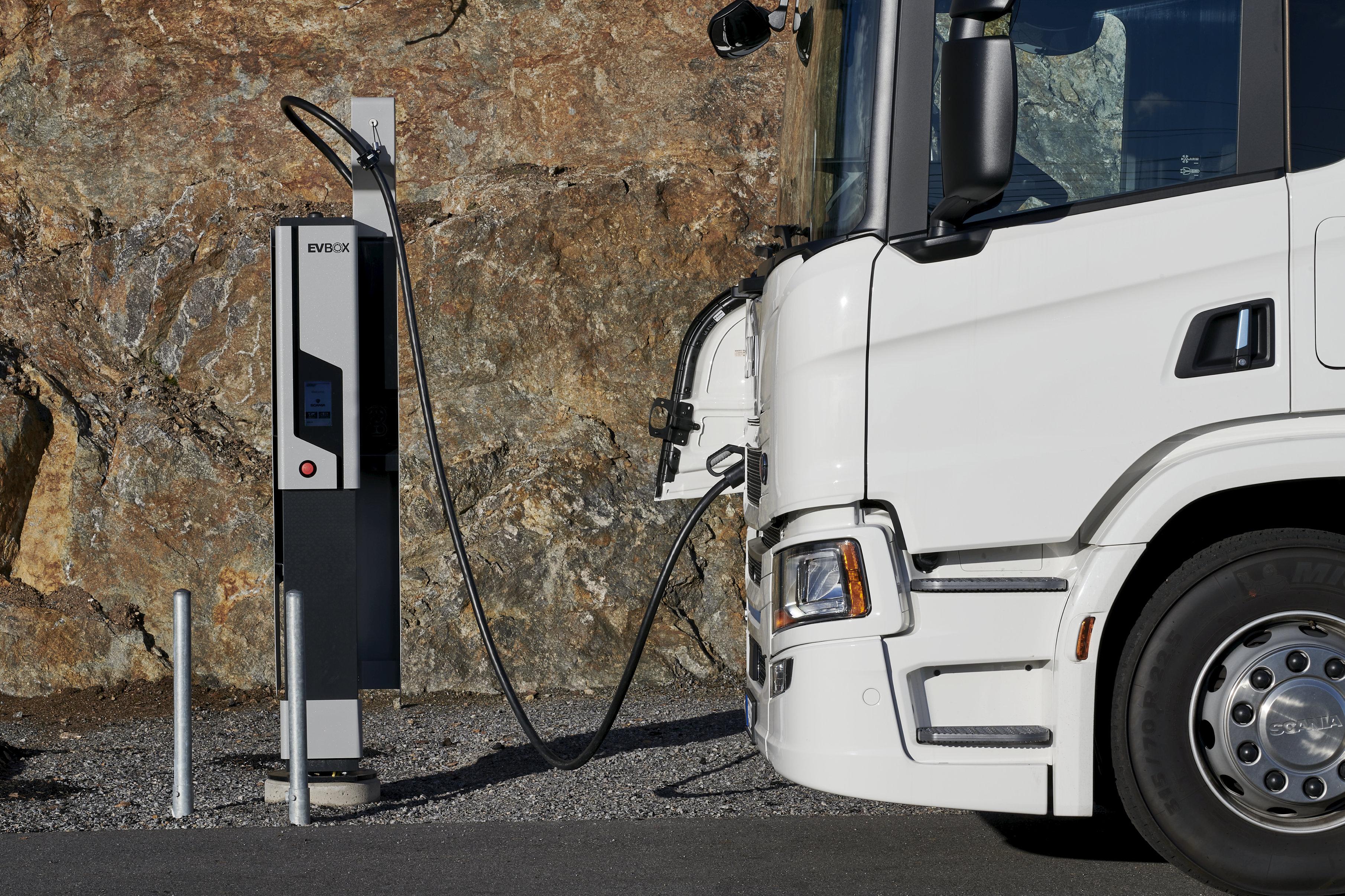 EVBox Ultroniq charging Scania electric truck