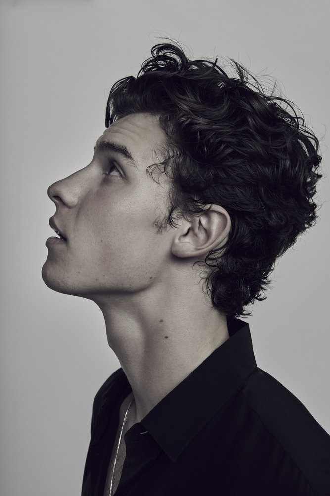 339747 20180822 rolling stone shawn mendes s05 019 ffe168 large 1575368515