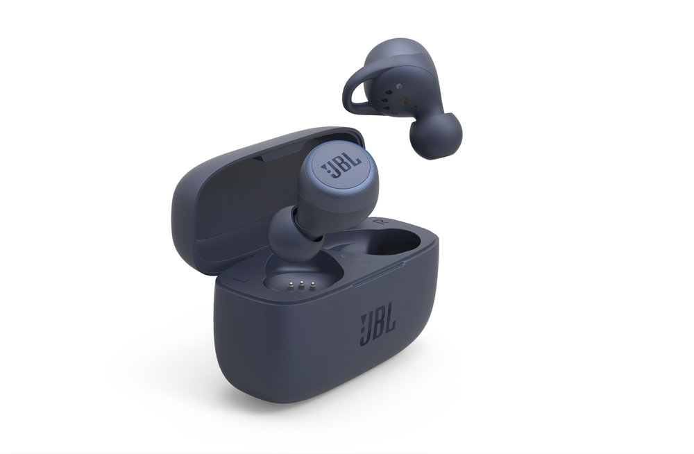 350892 jbl live%20300tws product%20render blue with%20charging%20case eee8cd large 1585568361