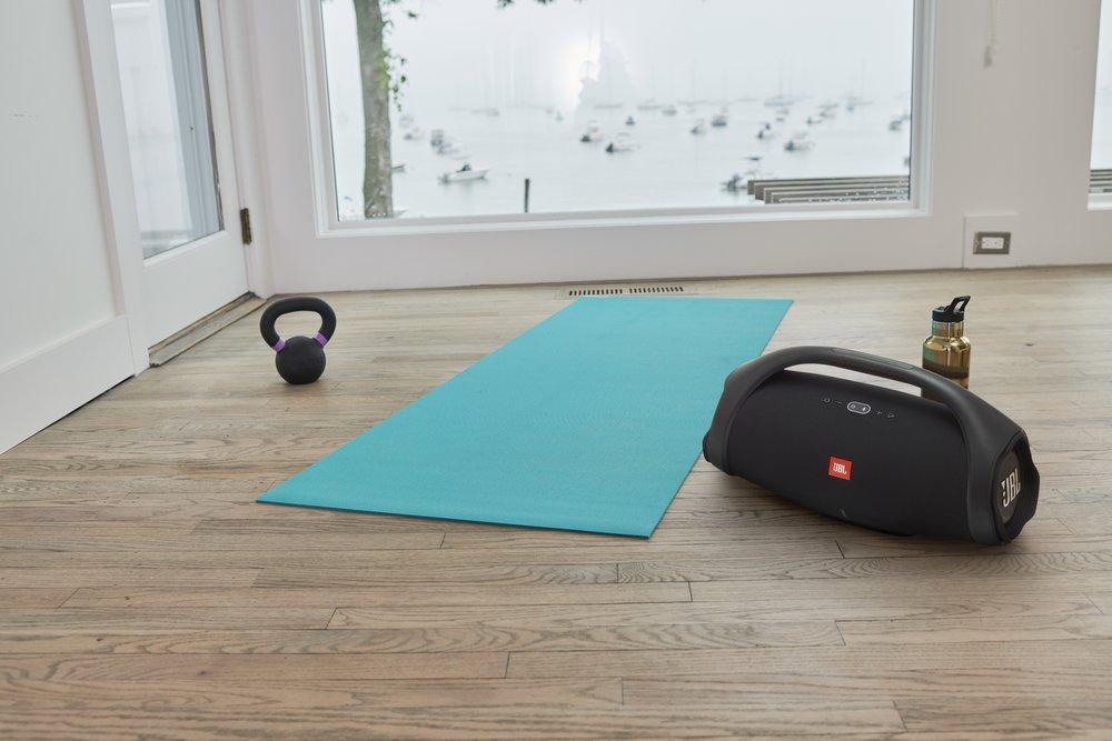 351543 jbl boombox2 livingroom yoga x4 e51604 large 1586353899