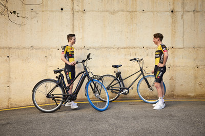 Swapfiets joins forces with Team Jumbo-Visma (from left: Rick Pluimers & Lars Boven) / Foto: Jerome Wassenaar (R4A3417)