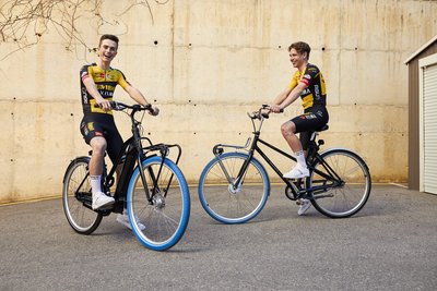 Swapfiets joins forces with Team Jumbo-Visma (from left: Rick Pluimers & Lars Boven) / Foto: Jerome Wassenaar (R4A3493)