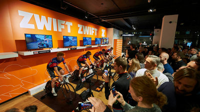 Zwift League Wiggins x Pinarello