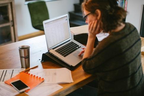 ING_woman working 620x324_tcm162-191368.jpg