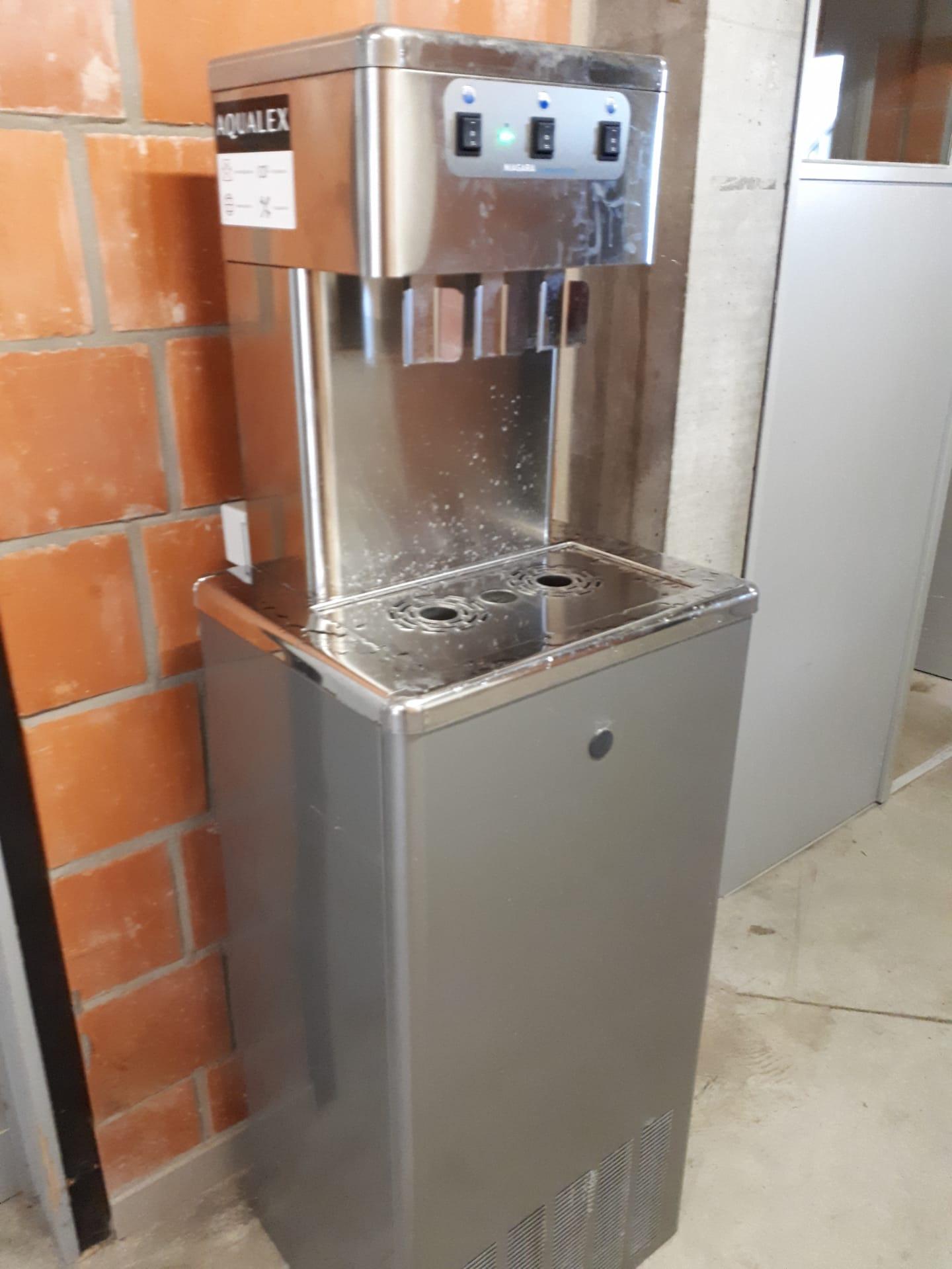 Illustratiebeeld drinkwaterfontein in Kortrijkse sportcentra.
