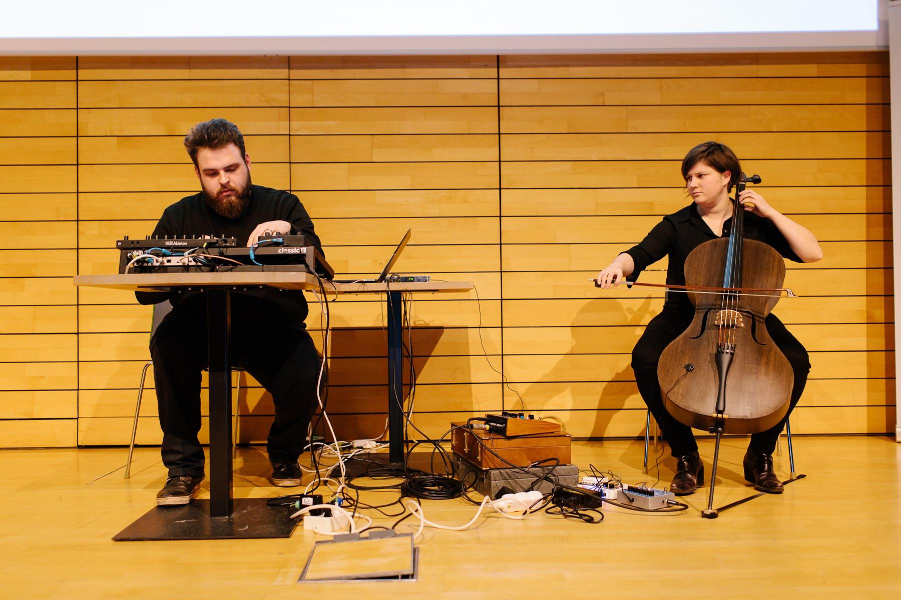 Crafts by Bokrijk Gold Award: Strijkinstrumenten uit Vlas