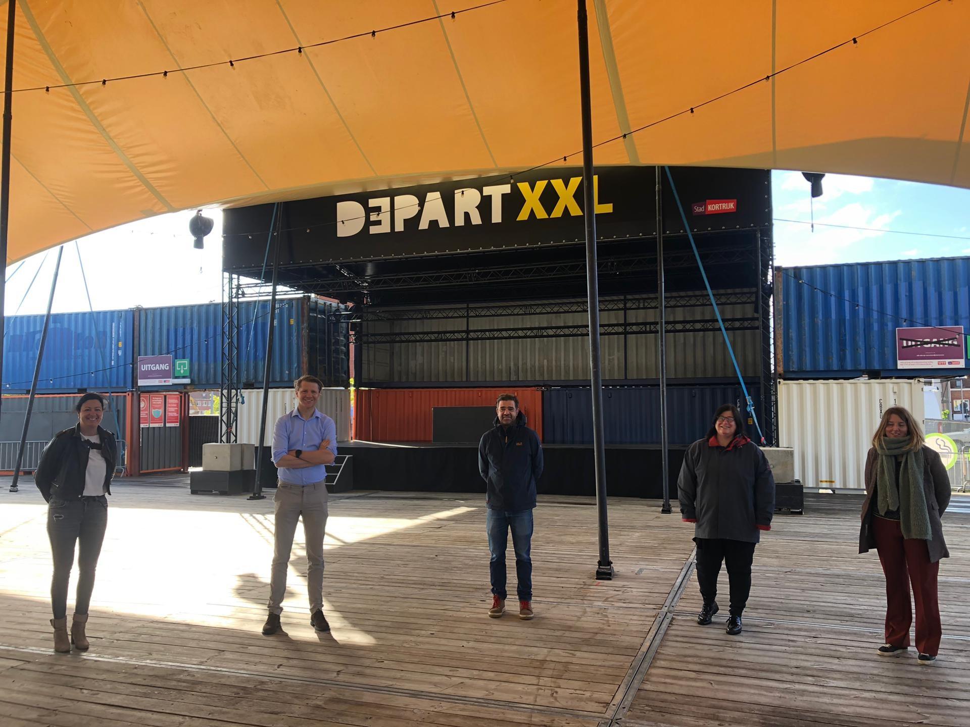 Depart XXL (v.l.n.r.: Kelly Detavernier, Axel Ronse, Hans Vandenberghe, Franceska Verhenne, Sofie Vermandere)