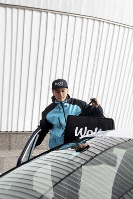 Wolt_Courier_car