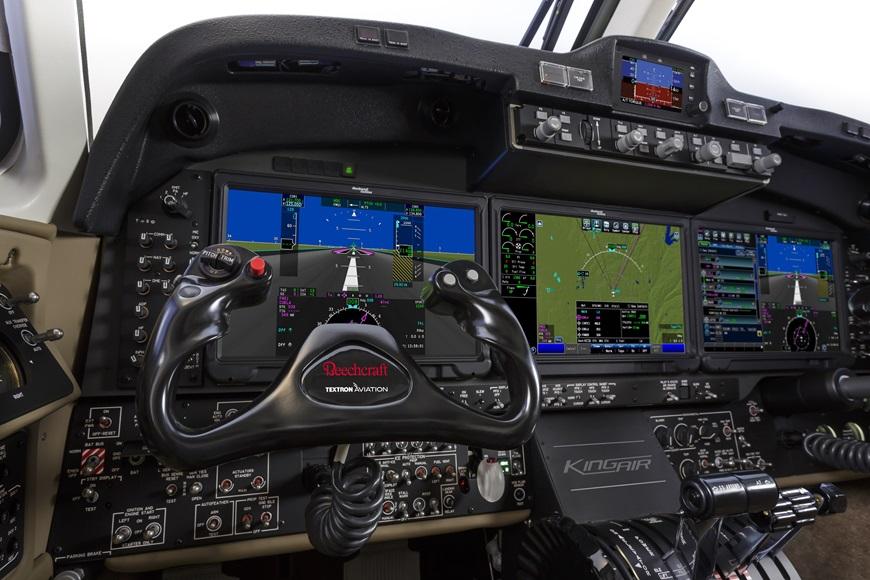 King-Air-360-Cockpit-2.jpg