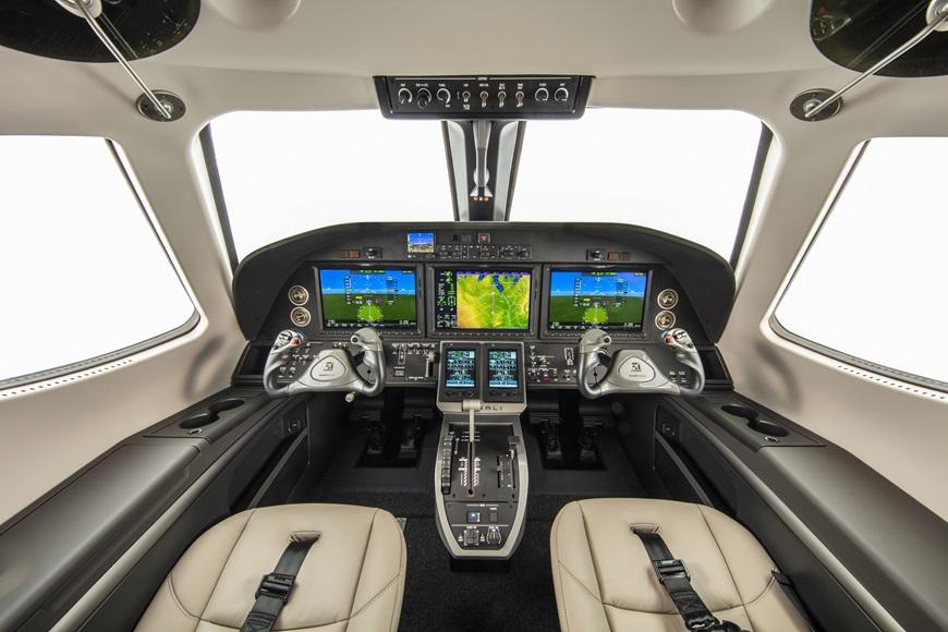 Cessna_Denali_cockpit.jpg
