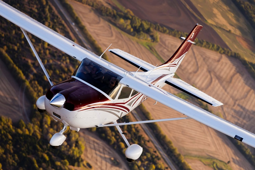 Cessna_Skylane_1.jpg