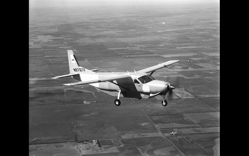 Cessna_Caravan_1980s.jpg