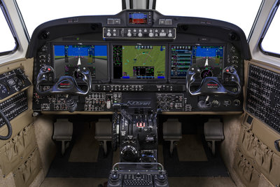 King-Air-360-Cockpit-1