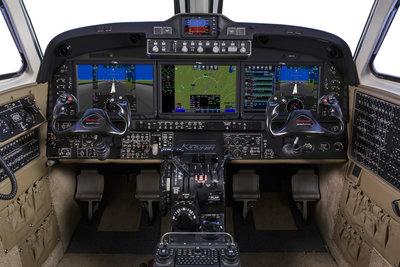 King-Air-360-Cockpit-1