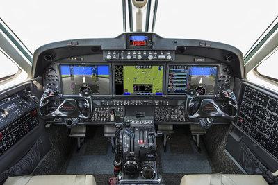 King-Air-260-cockpit-1