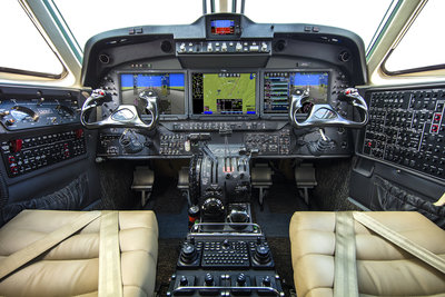 King-Air-260-cockpit-3