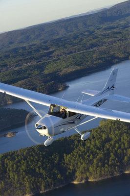 Cessna_Skyhawk_Photo1