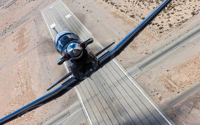 Beechcraft_T-6C_runway