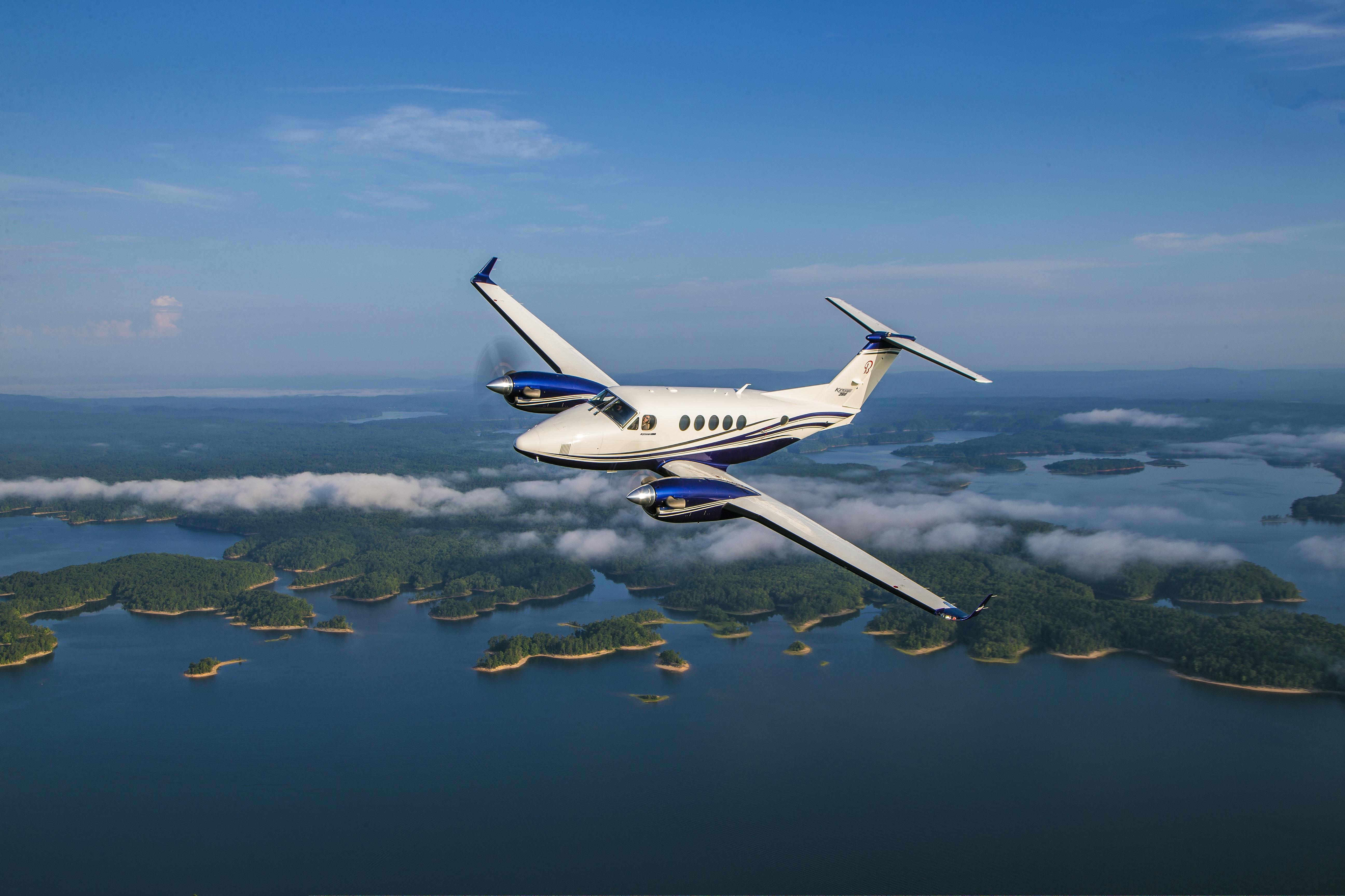 King Air 260 Air-to-Air.jpg