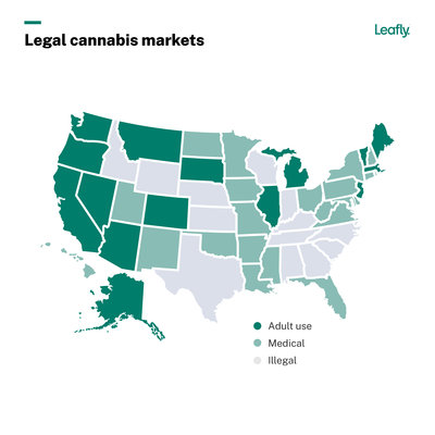 Leafly-JobsReport-2021-Chart-National Med-Rec Map@2x